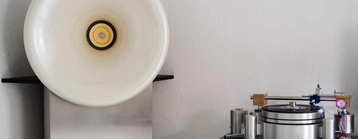 Ein Eckhorn in Edelstahl mit Oris 150